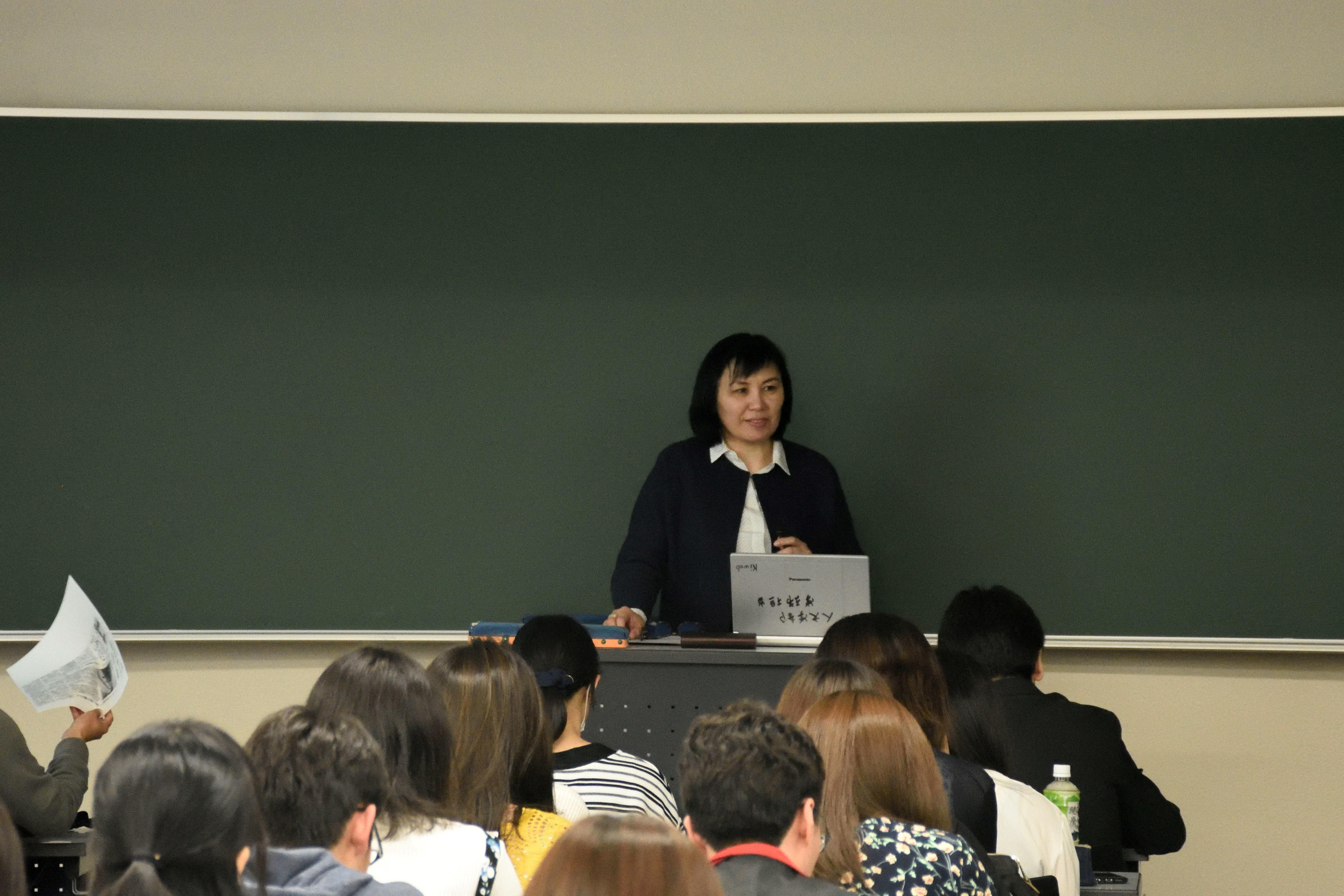 短期招聘教員講演会の写真